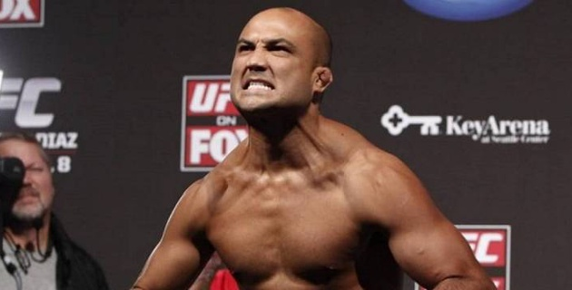 Мас жігіт UFC-дің бұрынғы чемпионын көше төбелесінде сұлатып түсірді