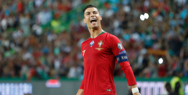 700 гол салған Роналду футбол тарихына атын жазды