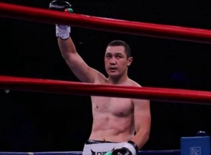 Қарсыласын бірінші раундта сұлатқан қазақ боксшы әлемдік рейтингте шарықтай көтерілді