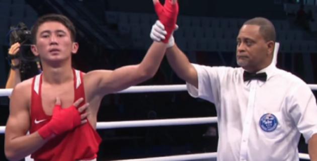 Қазақстандық боксшы өзбекстандық әлем чемпионын нокдаунға түсірді