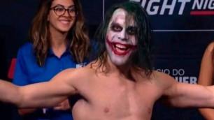 UFC файтері салмақ өлшеу рәсіміне Джокер бейнесінде шықты