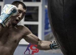 Үш титулы бар жеңілмеген қазақ боксшы WBA рейтингінде бірінші орынға жақындады