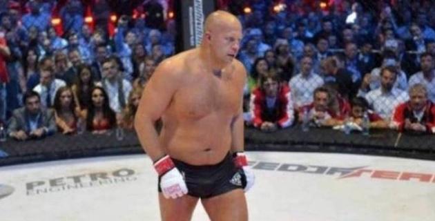 Федор Емельяненко бұрынғы UFC чемпионын нокаутқа түсірді