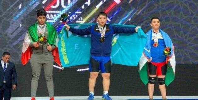 Қазақтың 16 жастағы рекордшысы Азия чемпионатындағы ең мықты ауыратлет ретінде мойындалды