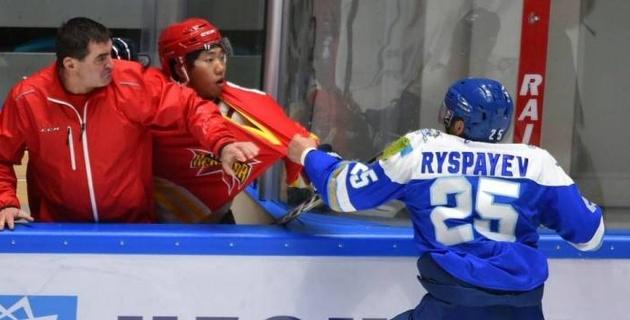 Fight Nights Global басшысы қазақстандық хоккейші Рыспаевтың жекпе-жегін ұйымдастыруды ойлады