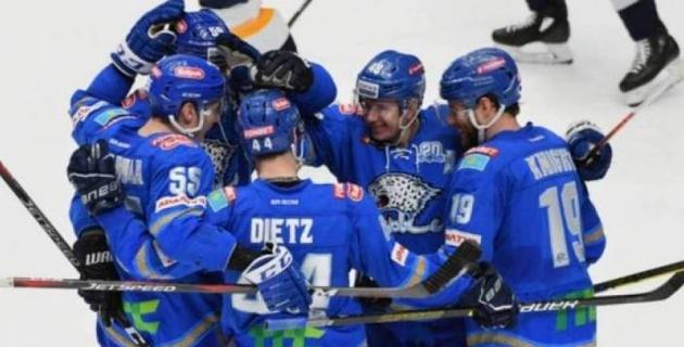 ҚХЛ қазақстандық хоккейшілерге қатысты шешім шығарды