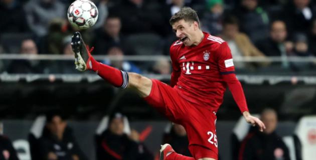 """Томас Мюллер матч кезінде """"Баварияның"""" бас бапкерін теуіп жіберді"""