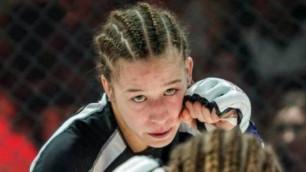 UFC тарихындағы бірінші қазақстандық файтер қыздың алғашқы жекпе-жегі белгіленді