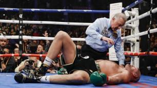 """""""Екі рет құлады"""". Суперауыр салмақтағы боксшы WBC чемпионын еңіреткенін айтады"""