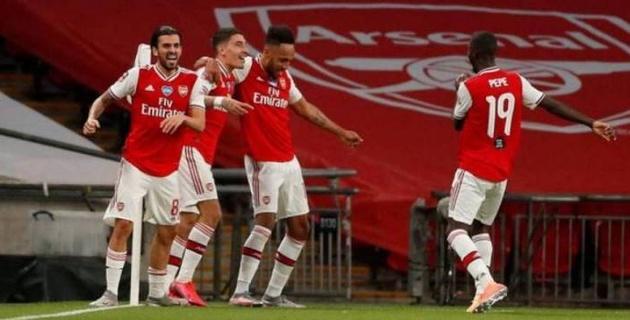 """""""Арсенал"""" футболшылары команда қызметкерлерінің жаппай жұмыстан қуылуына қарсылық білдірді"""