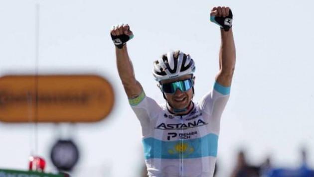 """Қазақстан спортшысы """"Тур де Франс"""" кезеңінде бірінші келді"""