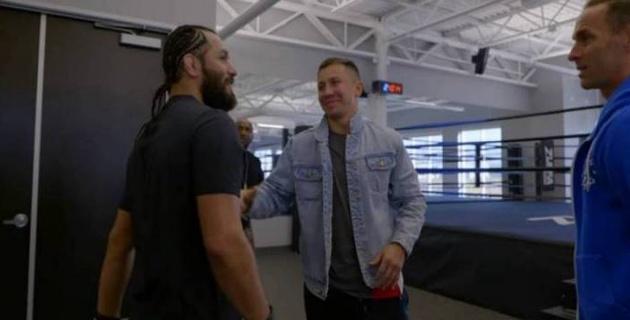 """UFC-дегі """"басты жексұрын"""" Геннадий Головкинмен кездесті"""