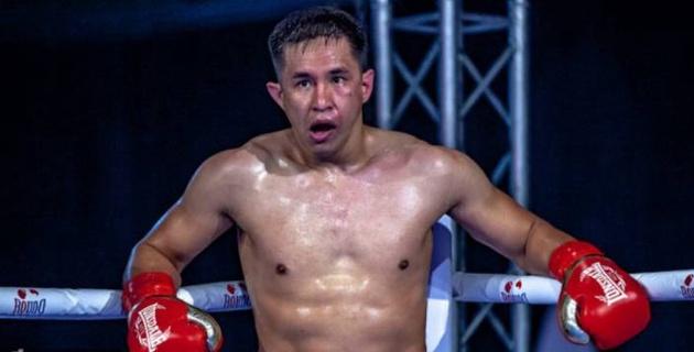Ауыр салмақтағы қазақ боксшы WBC және WBA титулы үшін сегіз нокауты бар өзбекпен жұдырықтасады