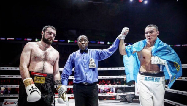 Ауыр салмақтағы қазақ боксшы 44 жекпе-жекке шыққан қарсыласын бірінші раундта-ақ сұлатты