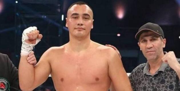Қазақстандық боксшының әлем чемпионы атағы үшін жекпе-жегі өтпейтін болды