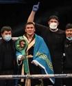 Жетінші раундта есеңгіретті. Қазақ боксшы Англиядағы шоудың басты жекпе-жегінде WBC титулын жеңіп алды