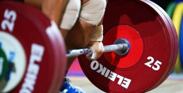 17 жастағы қазақ қызы ауыр атлетикадан Әлем кубогінде жеңімпаз атанды