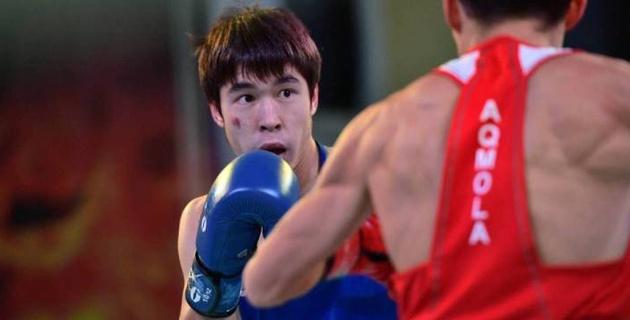 Қазақстан чемпионатындағы сенсация. Финалда 18 жастағы боксшы Азия чемпионын таза жеңді