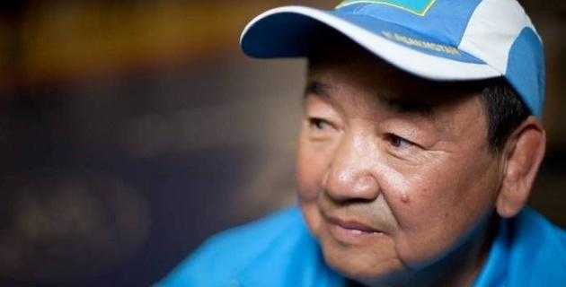 Қазақстан астанасындағы спорт кешеніне Жақсылық Үшкемпіровтің аты берілді
