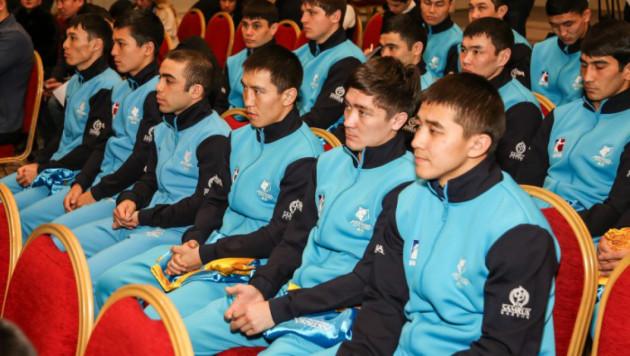 """""""Astana Arlans"""" пен """"Patriot Boxing Team"""" арасындағы кездесуге қатысатын боксшылардың нақты тізімі"""