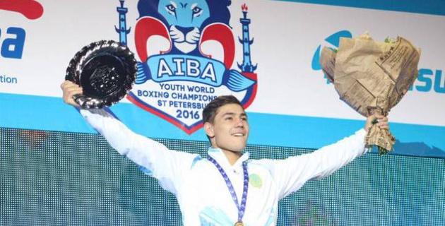 Садриддин Ахмедов кәсіпқой бокста бағын сынайды