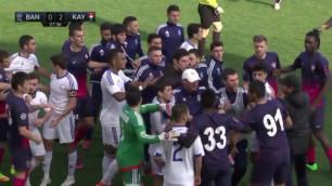 Қазақстан мен Армения клубтарының футболшылары матч кезінде төбелесіп қалды