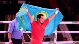 Астанадағы бокс кеші: Айдос Ербосынұлының қарсыласы екінші раундқа шығудан бас тартты