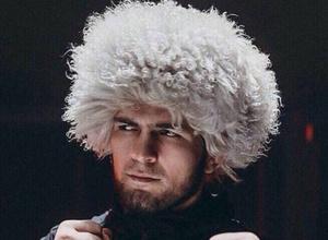 UFC чемпионы Хабиб Нурмагомедов иіс су шығарумен айналысатын болды