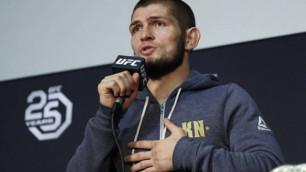 Хабиб UFC белбеуімен үйге ұшып келеді - Нурмагомедовтың әкесі Конормен жекпе-жектен кейін