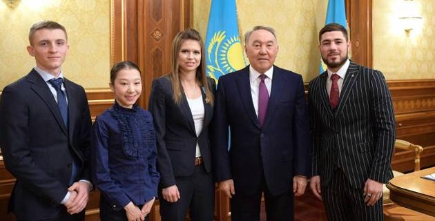 Назарбаев қазақстандық спортшылармен кездесті