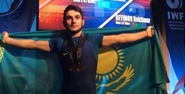 Қазақстандық ауыр атлет Халықаралық турнирде рекордты салмақ көтерді