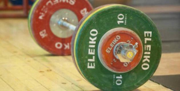 Қыздар университетінің құрамасы ауыр атлетикадан ел чемпионы атанды
