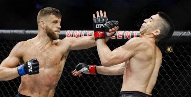 Ауыр нокаутпен жеңілген UFC файтерінің жағы үш жерден сынған