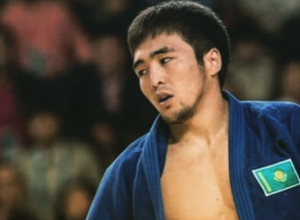 Елдос Сметов моңғол әлем чемпионын жығып, алтын медальға ие болды