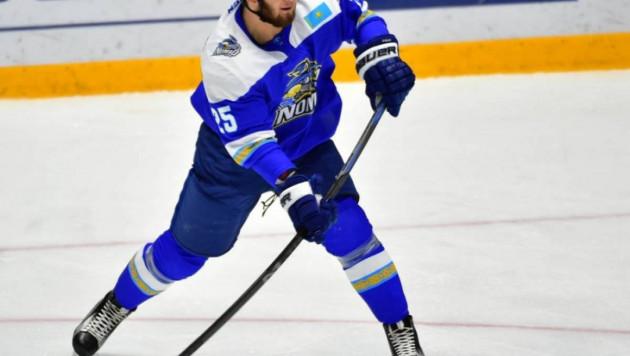 """Дамир Рыспаев """"Сарыарқаның"""" хоккейшісімен төбелесті"""