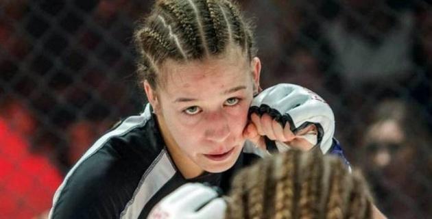 Қазақстандық файтер қыз UFC келісімшарты сарапқа салынатын жекпе-жек алдында салмақ өлшеді
